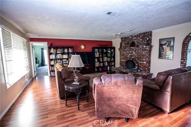 7660 Whitegate Avenue, Riverside CA: http://media.crmls.org/medias/e017539c-57be-4e56-bed2-1143f3d4961b.jpg