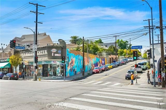1042 Hyperion Avenue, Los Angeles CA: http://media.crmls.org/medias/e01b2bd9-d135-4adc-a507-a5a75ba3774e.jpg