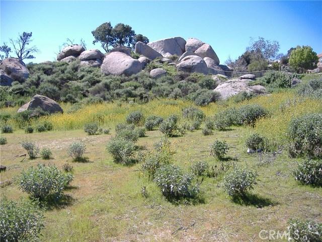 683 W Nuevo Road, Perris CA: http://media.crmls.org/medias/e02792b7-e879-41bd-98df-d249a230408c.jpg