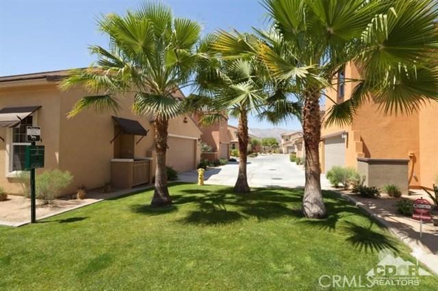 52185 Rosewood Lane, La Quinta CA: http://media.crmls.org/medias/e02ec1e8-7002-47d0-965a-629549717702.jpg