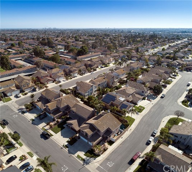 19681 Education Lane, Huntington Beach CA: http://media.crmls.org/medias/e0479155-ba28-411d-93e7-237f9ed8ebd7.jpg