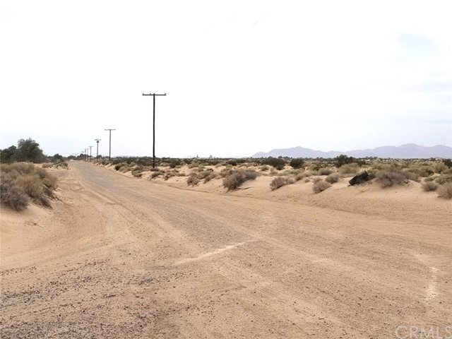 0 Silver Valley Road, Newberry Springs CA: http://media.crmls.org/medias/e05f12c3-b9c8-4a43-93f0-f731fbd1d1f3.jpg
