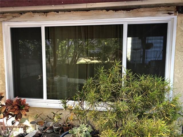 3322 Dalemead Street, Torrance CA: http://media.crmls.org/medias/e0630506-3e30-4246-af5c-a4e8acf1c91e.jpg