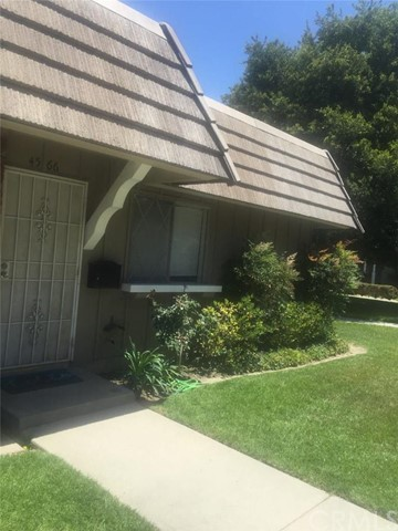 Townhouse for Rent at 4566 Larwin Cypress, California 90630 United States