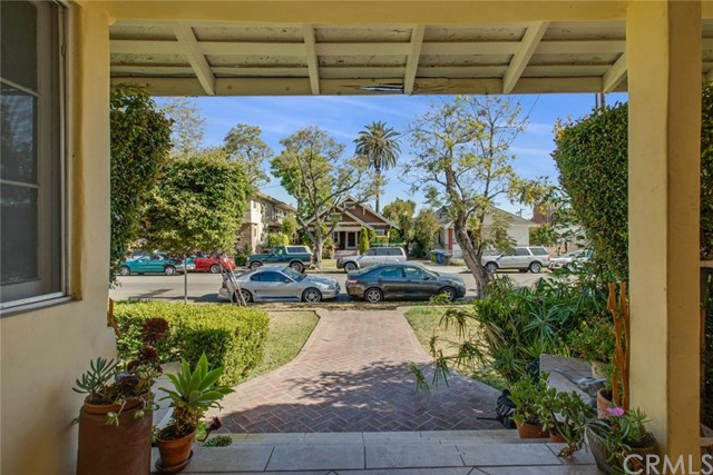 Property for sale at 4633 Russell Avenue, Los Angeles,  CA 90027