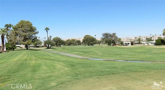 73326 Broadmoor Drive, Thousand Palms CA: http://media.crmls.org/medias/e0a84d6e-9570-43d2-9d1f-deb539d2d309.jpg