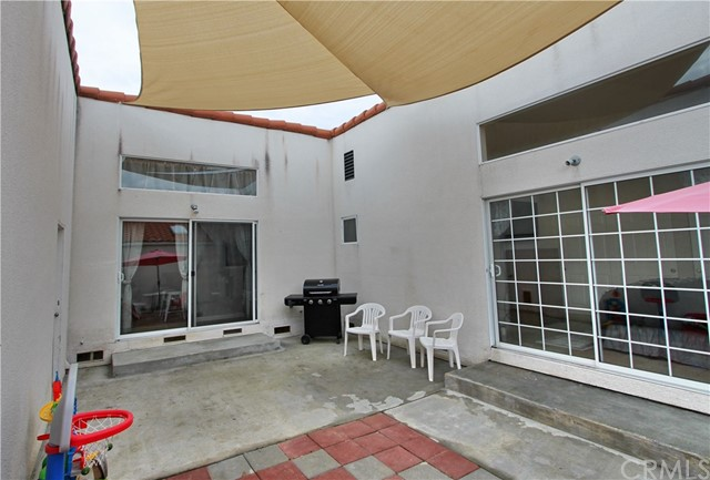 943 Patria Circle, Atascadero CA: http://media.crmls.org/medias/e0b55e67-65c8-44b7-8b52-275c0deef6b7.jpg