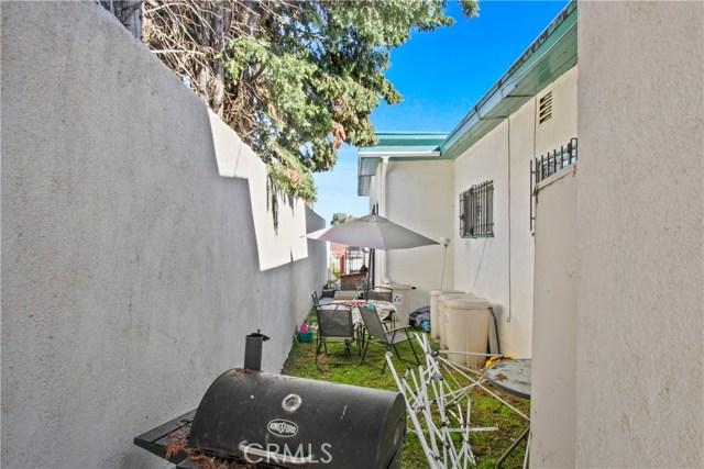 708 E Imperial, Los Angeles CA: http://media.crmls.org/medias/e0b58e0d-9df4-4233-804c-dd63c9565164.jpg