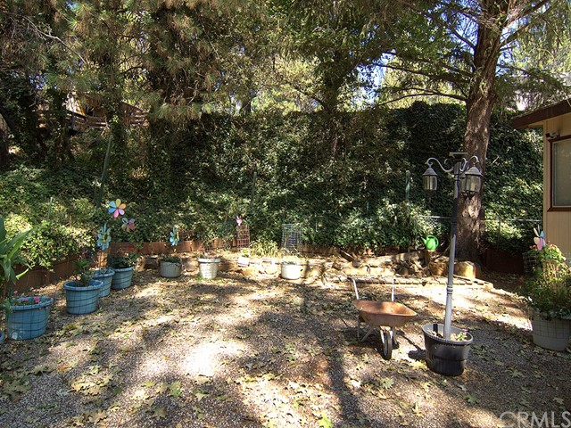 9289 Skyway, Paradise CA: http://media.crmls.org/medias/e0bc8ec3-4af9-4de2-bae3-6a23556d3636.jpg