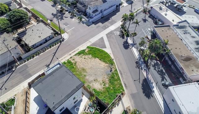 600 Neptune Street, Oceanside CA: http://media.crmls.org/medias/e0bdf4ef-1dcf-4ed6-88ac-86cb936a72f5.jpg