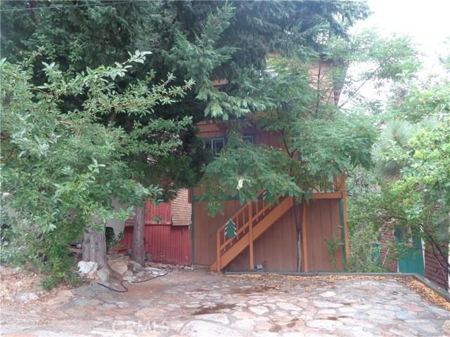 Casa Unifamiliar por un Venta en 33417 Cedar Drive Arrowbear Lake, California 92382 Estados Unidos