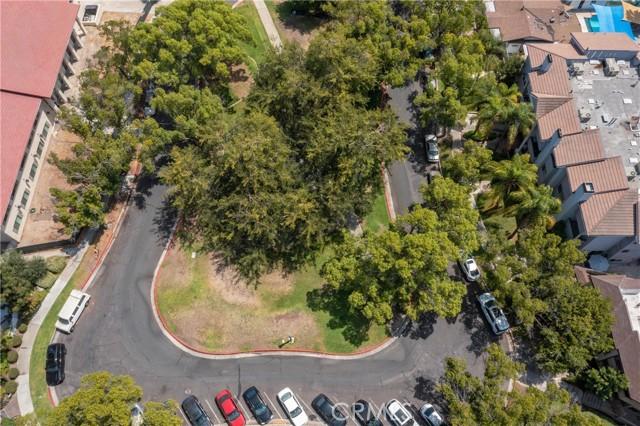 444 Piedmont Avenue, Glendale CA: http://media.crmls.org/medias/e0be6005-9c9b-40b0-8582-2d6772a9ed4b.jpg