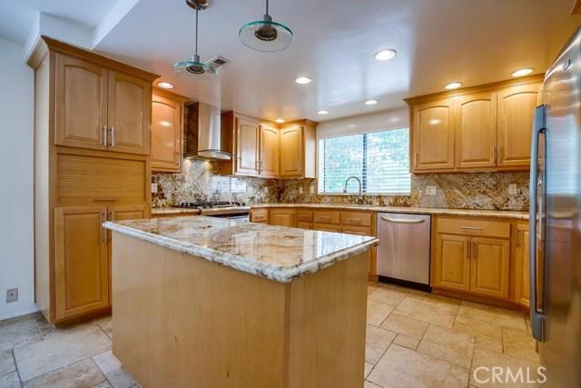 3607 W Hidden Lane, Rolling Hills Estates CA: http://media.crmls.org/medias/e0bfad5e-65a3-4df4-8bad-710c8a45d73e.jpg