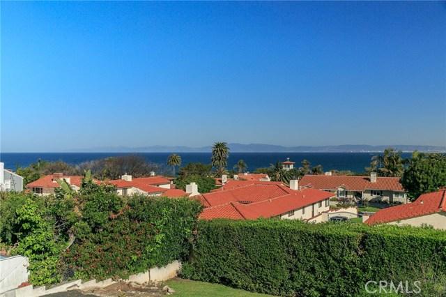 441 Via Almar, Palos Verdes Estates CA: http://media.crmls.org/medias/e0c0f503-453f-4b98-b904-b058acc81fbf.jpg