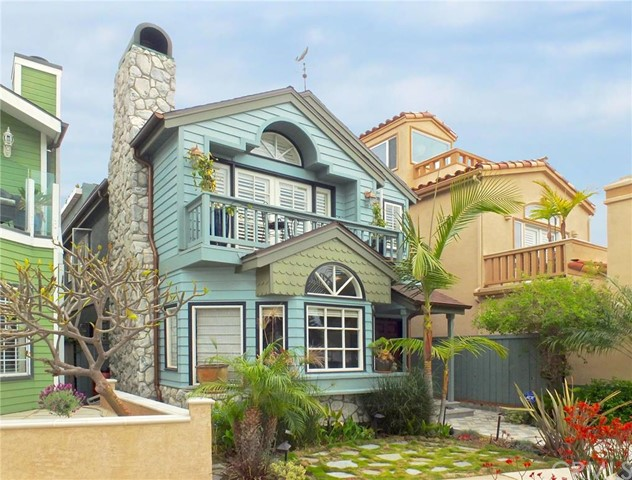 Single Family Home for Rent at 1405 Electric St Seal Beach, California 90740 United States