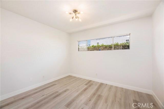 3725 Cerritos Avenue, Long Beach CA: http://media.crmls.org/medias/e0c971ed-7482-4c65-83d4-f839fdeb35b3.jpg