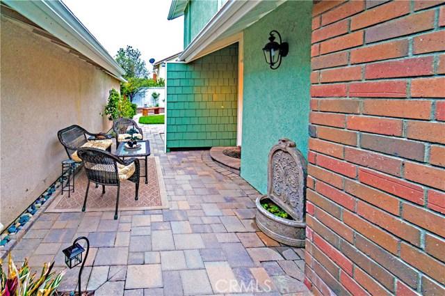 13 Winterbranch, Irvine CA: http://media.crmls.org/medias/e0d984f0-c37b-4789-8746-833833c217ba.jpg