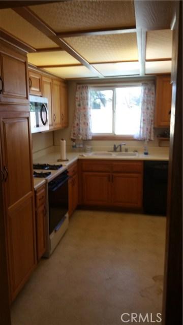 20625 Harvest Avenue, Lakewood CA: http://media.crmls.org/medias/e0de37b6-861a-4d60-b478-8bcf2845472f.jpg
