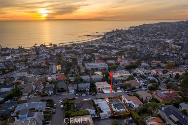 460 Blumont Street, Laguna Beach CA: http://media.crmls.org/medias/e0e2a6a4-78df-4f7b-b6a1-03b83430d4a7.jpg