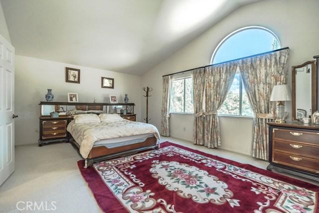 房产卖价 : $87.80万/¥604.00万