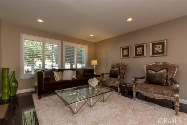 独户住宅 为 销售 在 12938 Cranleigh Street Cerritos, 加利福尼亚州 90703 美国