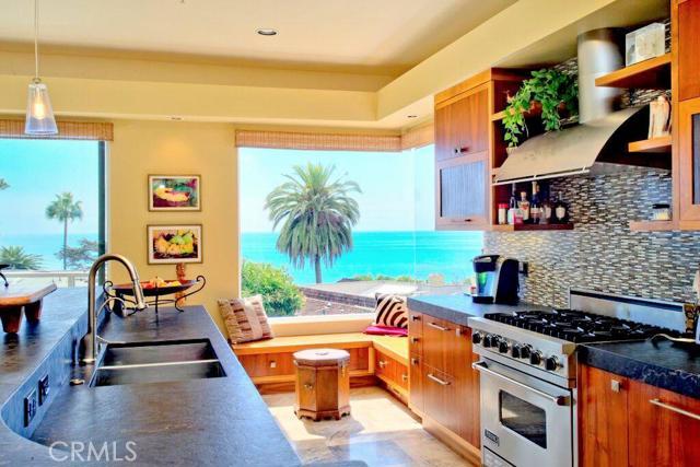 Single Family Home for Sale at 252 Avenida Vista Del Oceano St San Clemente, California 92672 United States