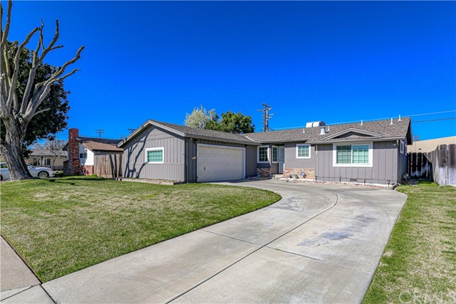 Detail Gallery Image 1 of 1 For 2065 Tokay Ave, Turlock,  CA 95380 - 3 Beds   2 Baths