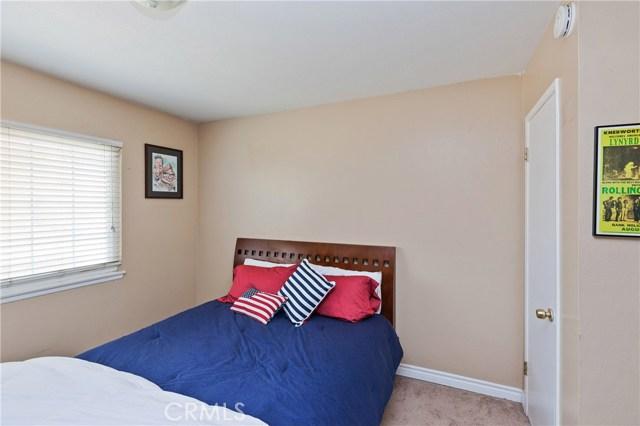 1477 Hilltop Lane, Norco CA: http://media.crmls.org/medias/e102a4bc-08b5-4cbd-ba0f-3fb4cf8d66c7.jpg