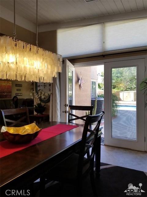 321 Desert Willow Circle, Palm Springs CA: http://media.crmls.org/medias/e1091ac2-e0ed-44e5-b431-45130447684c.jpg