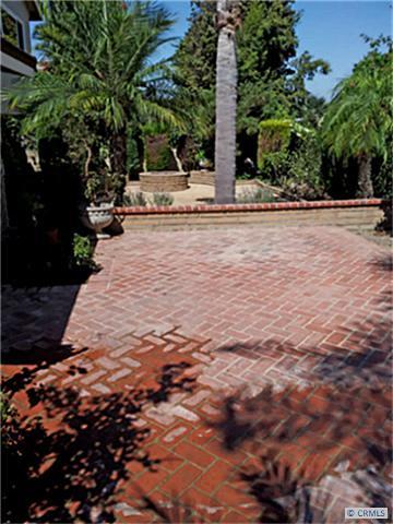 880 N Holly Glen Dr, Long Beach, CA 90815 Photo 8