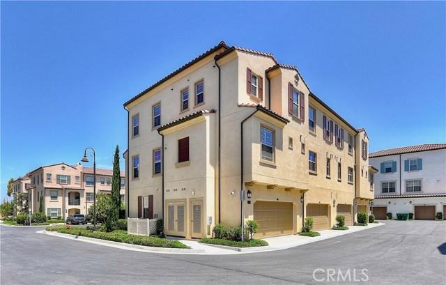 226 Capricorn, Irvine CA: http://media.crmls.org/medias/e1168c26-0219-43bc-8776-f33ce0d623ee.jpg