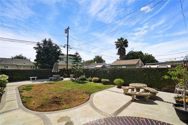 3716 Allred Street, Lakewood CA: http://media.crmls.org/medias/e11c1f08-4ee4-4512-958a-962c64ac5eed.jpg