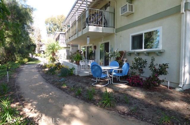 630 Avenida Sevilla, Laguna Woods CA: http://media.crmls.org/medias/e1213e3d-42a8-4eec-a891-f3b5ddb76ab2.jpg