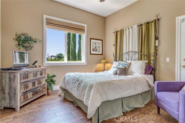 2710 Tres Lomas Court, Fallbrook CA: http://media.crmls.org/medias/e12babda-bd57-4dd3-bac8-cbe28be2ba2f.jpg