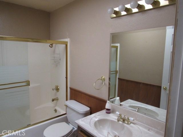 14708 Mojave Street, Hesperia CA: http://media.crmls.org/medias/e13c81cd-840e-4264-9c9e-d8cd5d520cef.jpg