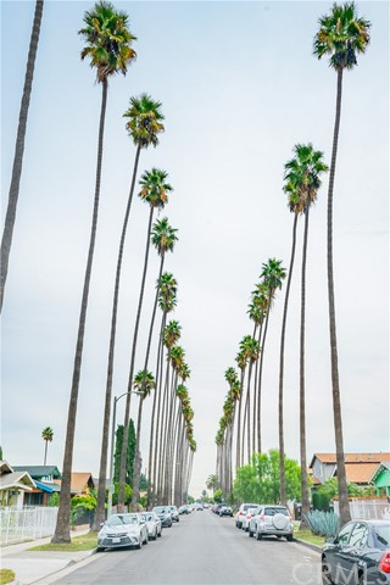 1106 W 56th Street, Los Angeles CA: http://media.crmls.org/medias/e149615e-206e-4df2-8a45-a12eddf89eee.jpg