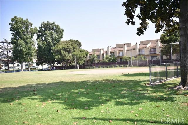 230 N Sierra Vista Street, Monterey Park CA: http://media.crmls.org/medias/e14a79bd-a507-42ae-ae7f-16e2a66d8a08.jpg