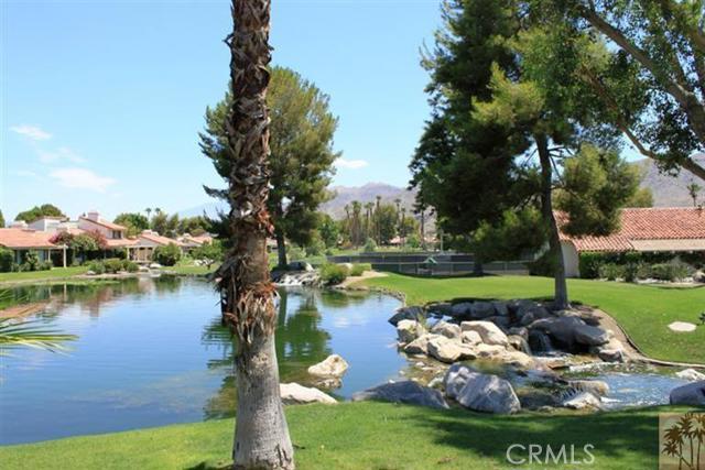 95 Tennis Club Drive, Rancho Mirage CA: http://media.crmls.org/medias/e14abc0e-aa4b-4986-8ef6-88aa59907630.jpg