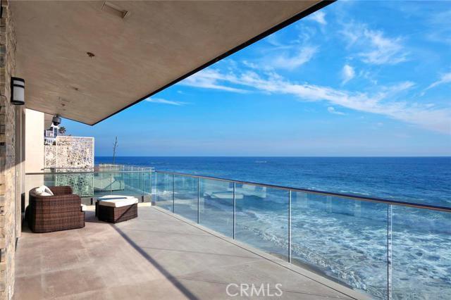 990 Oceanfront