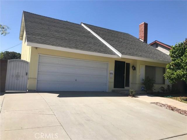 11952 Cherrylee Drive, Los Angeles CA: http://media.crmls.org/medias/e16183c8-8581-4d1d-bd9e-72292af36e7a.jpg