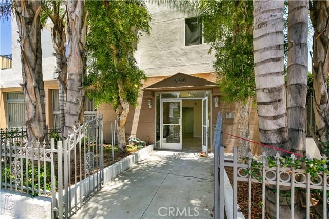 926 S Manhattan Place, Los Angeles CA: http://media.crmls.org/medias/e1642448-0b3a-4e64-984b-1bf0b6920bee.jpg