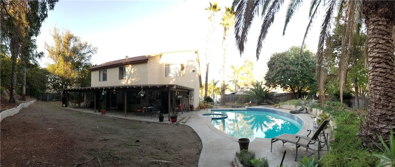941 Baron Place, Escondido CA: http://media.crmls.org/medias/e176776a-532d-4d44-a93b-e91bdcf324e6.jpg