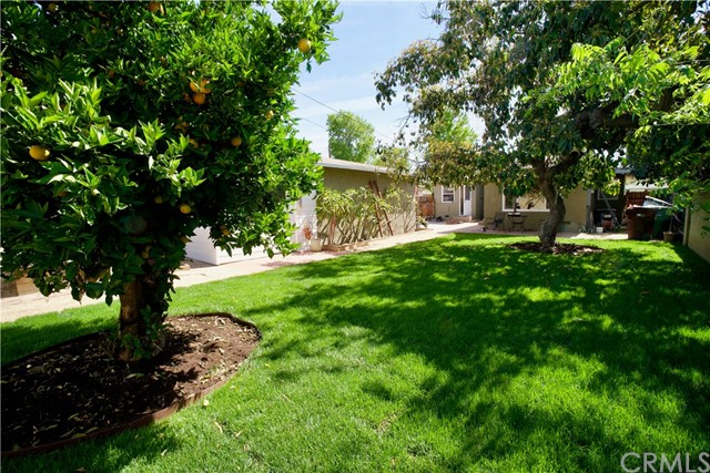 2106 Valencia Street, Santa Ana CA: http://media.crmls.org/medias/e1785c5f-05ae-420f-8538-a331aa1f56c7.jpg