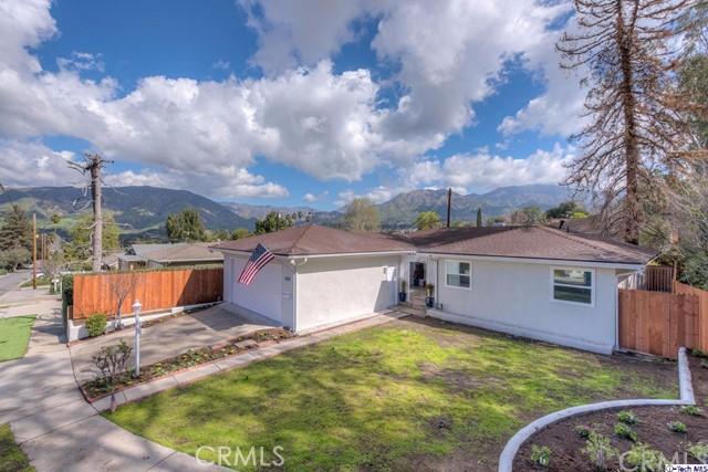 10118 Eldora Avenue, Sunland, CA 91040