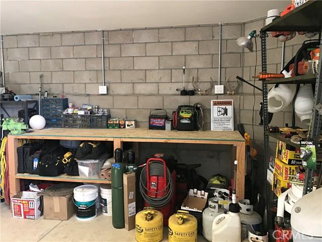 11011 S South Shore Drive, Paso Robles CA: http://media.crmls.org/medias/e18d053e-1f48-4dcd-85e3-336896df1da8.jpg