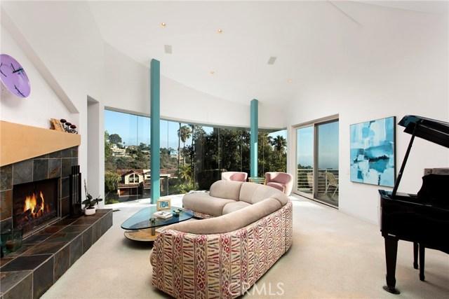 2210 Hillview Drive, Laguna Beach CA: http://media.crmls.org/medias/e1911df1-e9a7-472c-ab65-369b186a1b31.jpg
