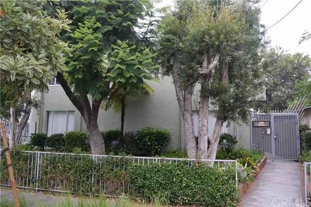 1950 Cloverfield 12 Santa Monica CA 90404