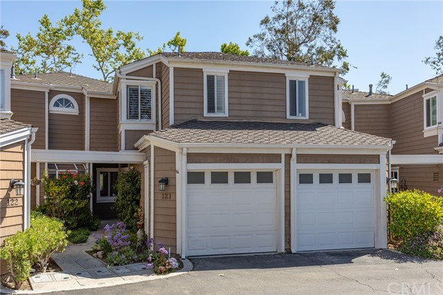 Detail Gallery Image 1 of 30 For 121 Santa Rosa Ct, Laguna Beach,  CA 92651 - 2 Beds | 2/1 Baths