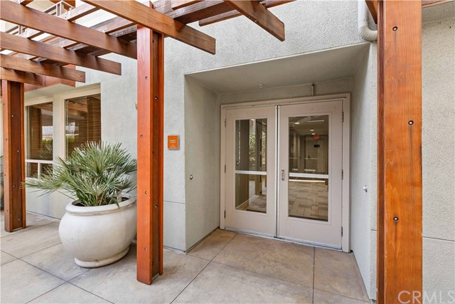 100 S Alameda Street, Los Angeles CA: http://media.crmls.org/medias/e19d229b-983b-436c-a35e-fe403e95a093.jpg