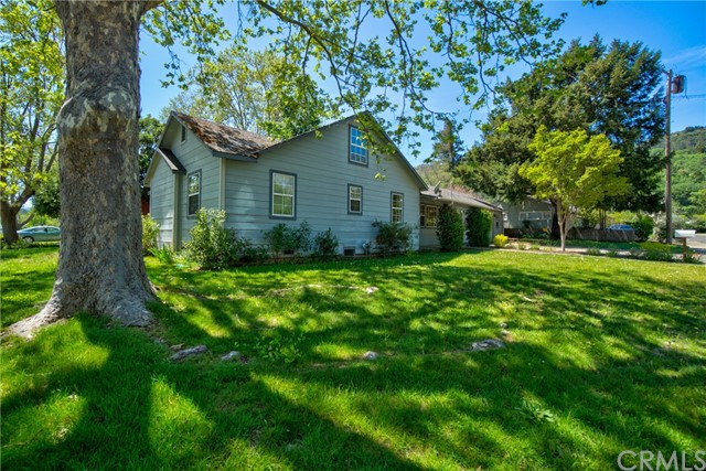 Detail Gallery Image 1 of 29 For 301 Hillview Ave, Ukiah,  CA 95482 - 4 Beds | 2 Baths